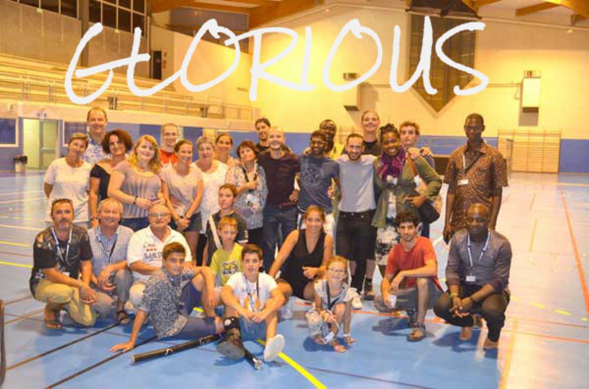 Le groupe GLORIOUS avec nos jeunes NGA : MERCI
